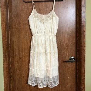 Pinky XS lacy off white strappy dress